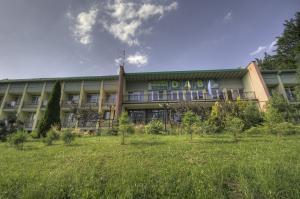 Ośrodek Szkoleniowo Wczasowy Dąb z Ustroń, ul. Wczasowa 47