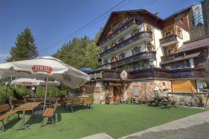 Hotel Bavaria z Wisła, ul. Wyzwolenia 96