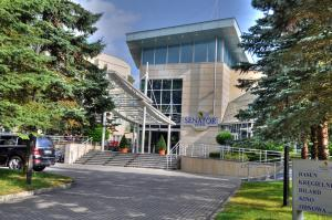 HOTEL SENATOR z ul. Wyzwolenia 35 78-131 Dźwirzyno