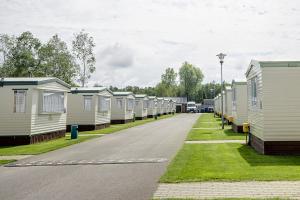 Holiday Camping z 76-032 Łazy, ul. Leśna 18