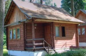 Ośrodek Wypoczynkowy DWOREK MAZURSKI z ul. Dworek Mazurski 1, 19-400 Olecko